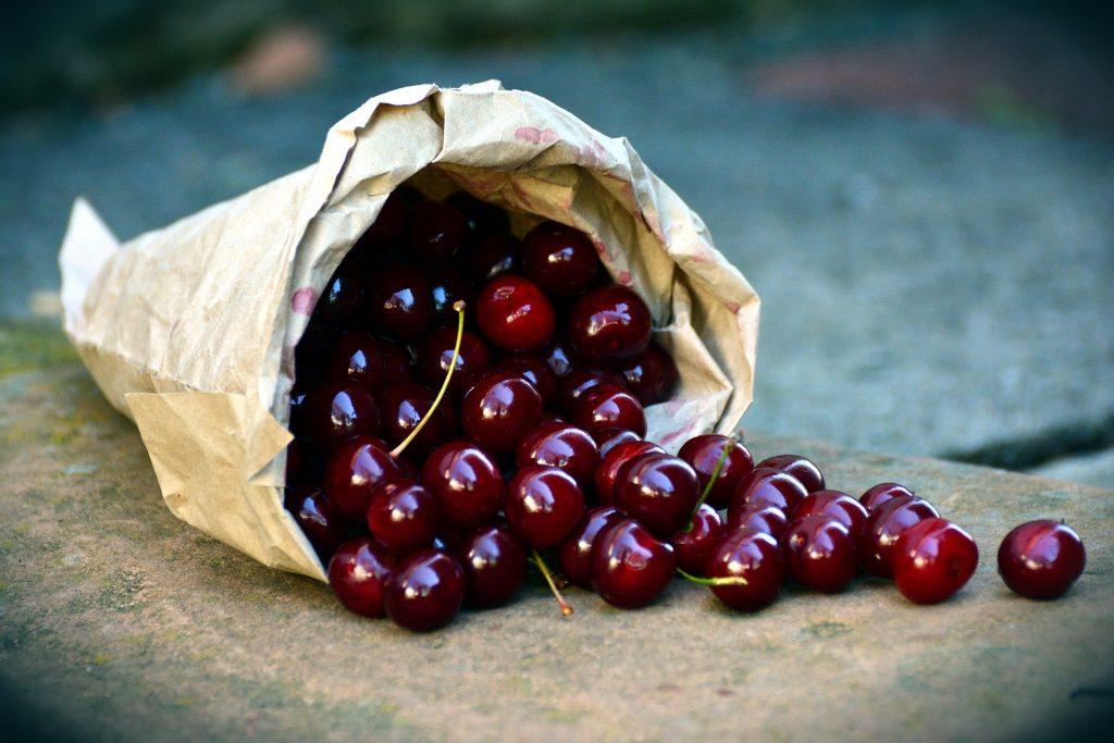 cherries-3522365_1920.jpeg